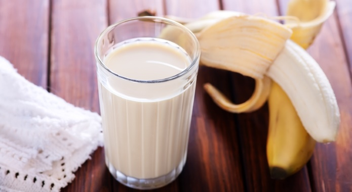 milk with bananas