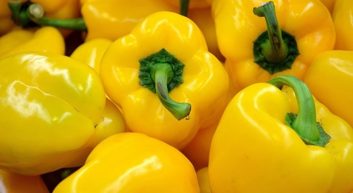 yellow bell peppers-min