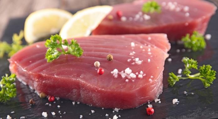 raw tuna meat