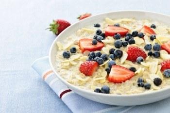 Oatmeal With Fresh Berries