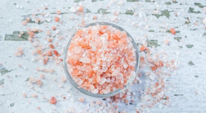 pink himalayan salt on table
