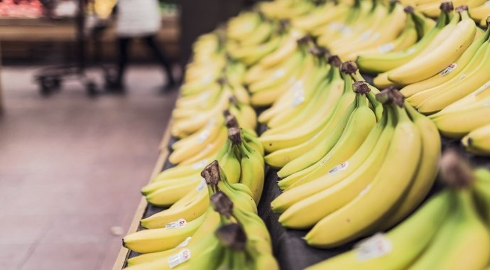 bananas-in-market desktop