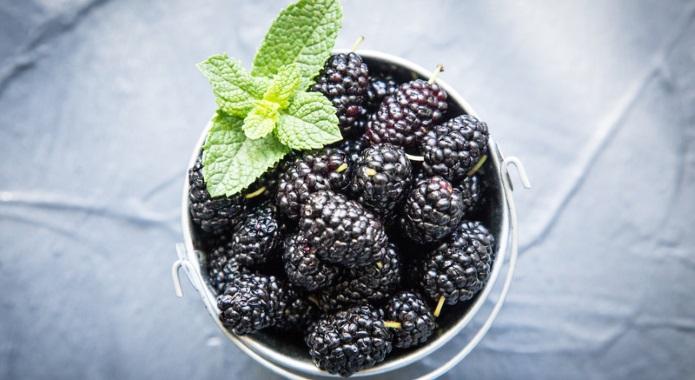 black mulberries desktop