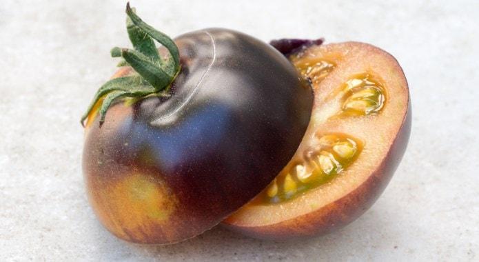 black tomato-min