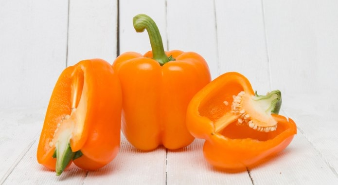 orange bell peppers-min