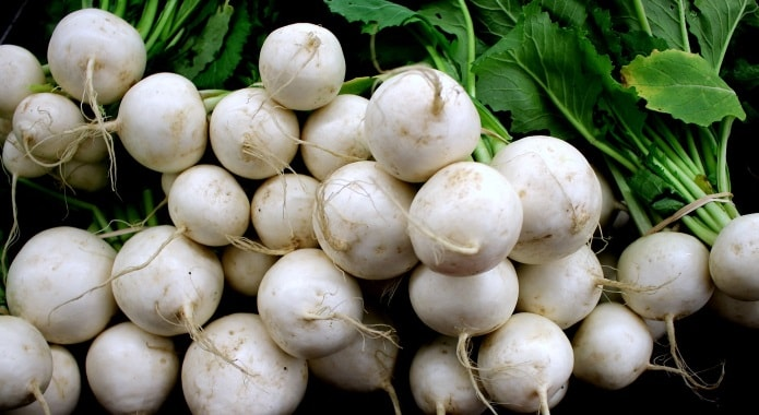 white turnips-min
